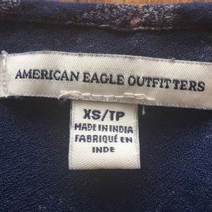 American Eagle Outfitters Tops - American Eagle cropped shirt